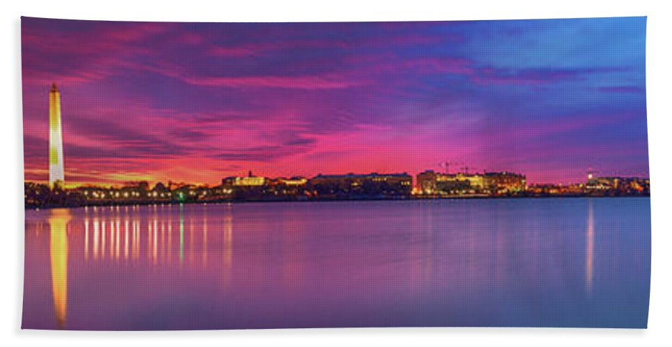 Tidal Basin Beach Towel featuring the photograph Night Unto Day by Edward Kreis