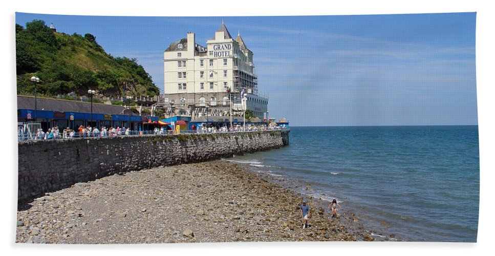 Europe Beach Towel featuring the photograph North Parade - Llandudno by Rod Johnson