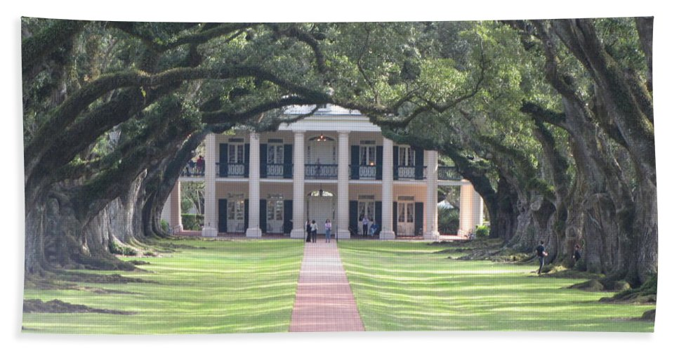 Plantation Homes Beach Towel featuring the photograph Oak Alley Plantation by Michelle Powell