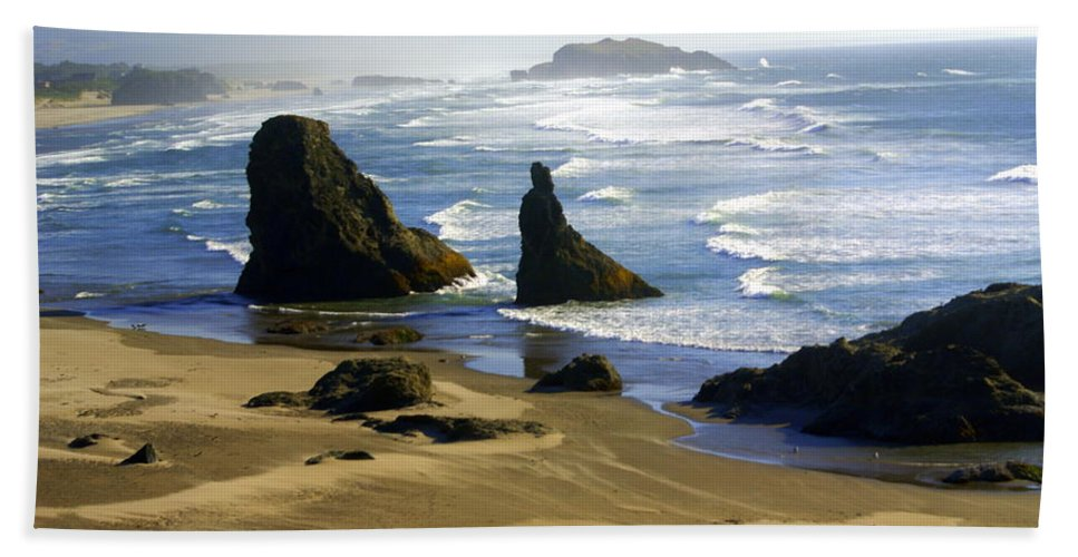 Beach Beach Towel featuring the photograph Oceanscape by Marty Koch
