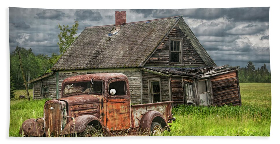Old abandoned pickup by run down farm house beach sheet for 0 down homes