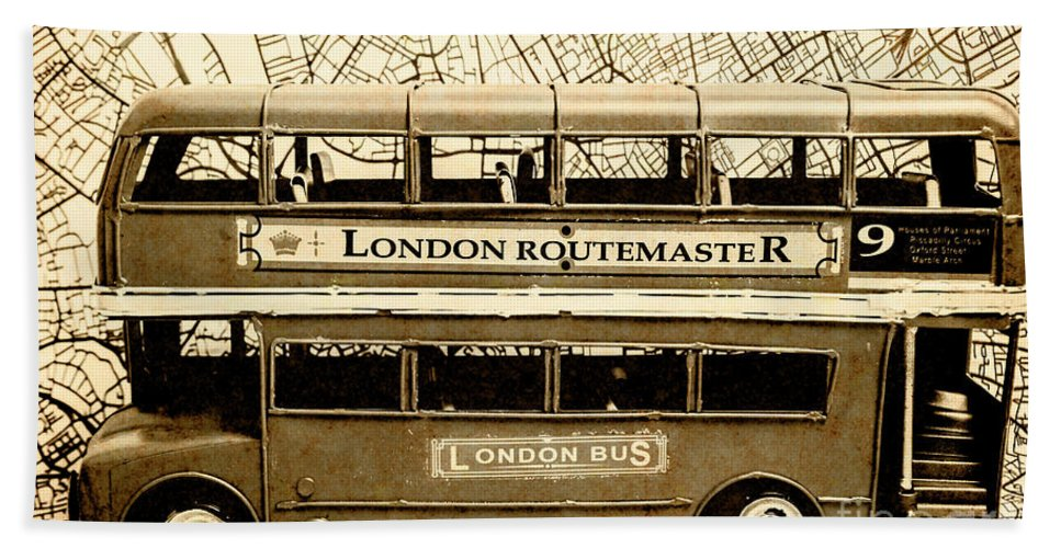 Bus Beach Towel featuring the photograph Old City Bus Tour by Jorgo Photography - Wall Art Gallery