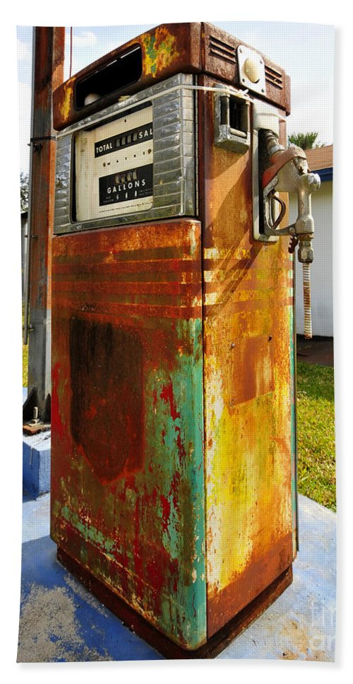 Pinecrest Florida Beach Towel featuring the photograph Old Pumps At Pinecrest by David Lee Thompson