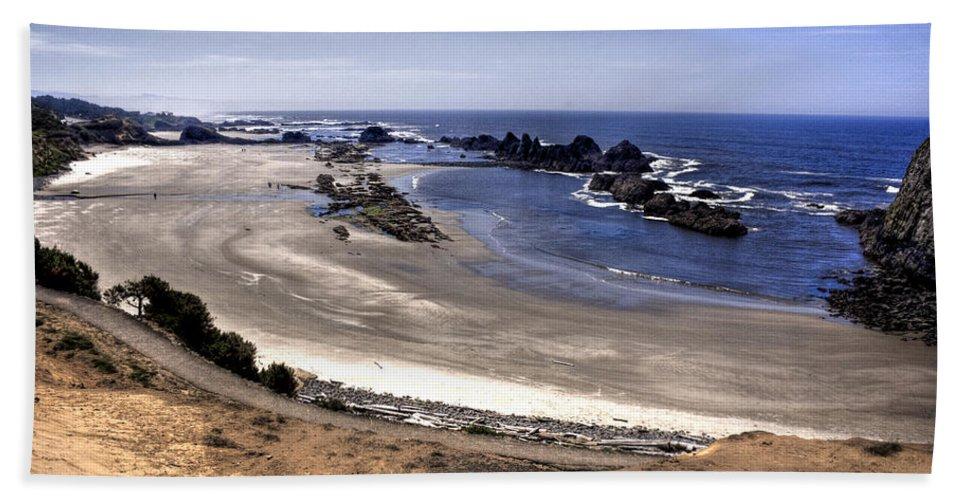 Scenic Beach Towel featuring the photograph Oregon Coast by Lee Santa