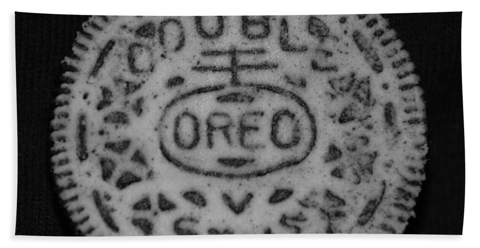 Oreo Beach Towel featuring the photograph Oreo In Matte Finish by Rob Hans