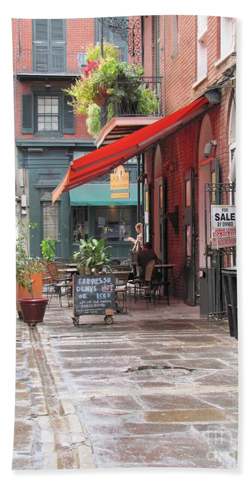 French Quarter Beach Towel featuring the photograph Outdoor Cafe by Michelle Powell