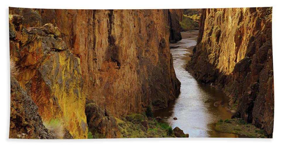 Idaho Scenics Beach Towel featuring the photograph Owhyee River by Leland D Howard