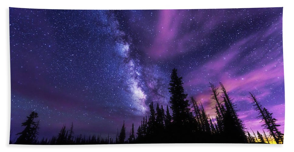 Passing Hours Beach Towel featuring the photograph Passing Hours by Chad Dutson