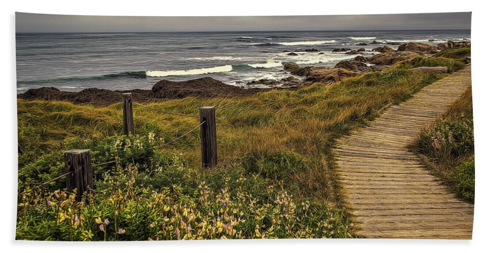 Beach Beach Towel featuring the photograph Path To The Sea by Maria Coulson