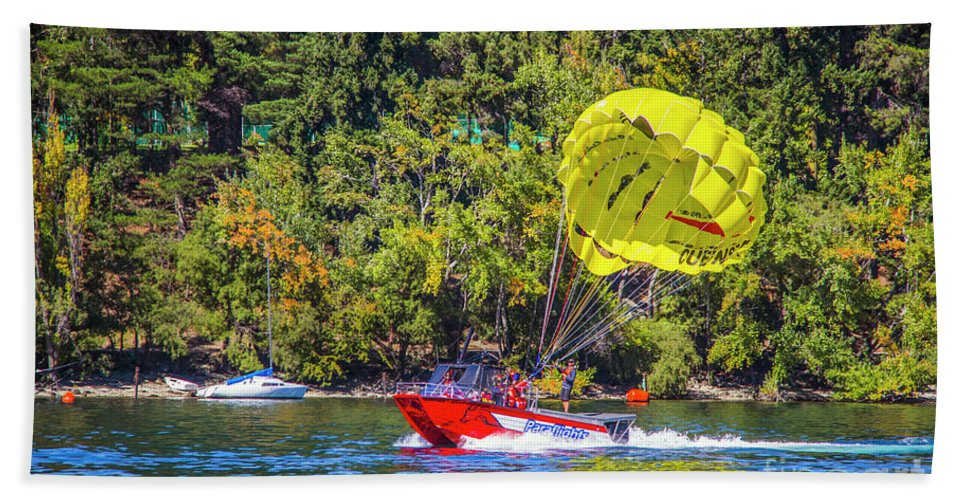 Parasailing Beach Towel featuring the photograph Perfect Landing by Roberta Bragan
