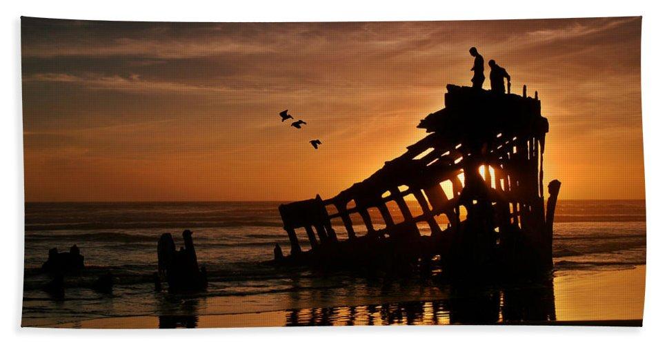 Peter Iredale Shipwreck Beach Towel featuring the photograph Peter Iredale Shipwreck by Wes and Dotty Weber
