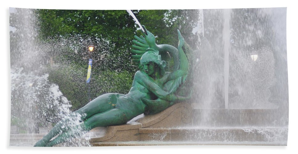 Philadelphia Beach Towel featuring the photograph Philadelphia - Swann Memorial Fountain - Logan Square by Bill Cannon