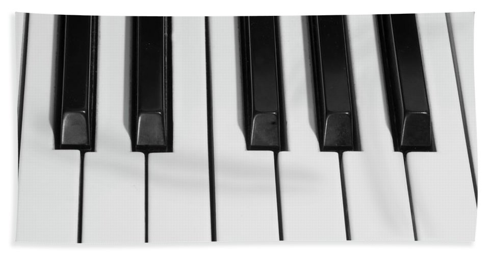 Piano Beach Towel featuring the photograph Piano Octave Bw by James BO Insogna