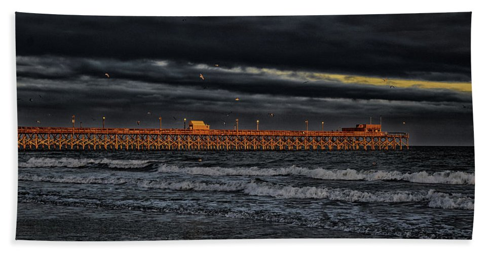 Atlantic Beach Sheet featuring the photograph Pier Into Darkness by Kelly Reber