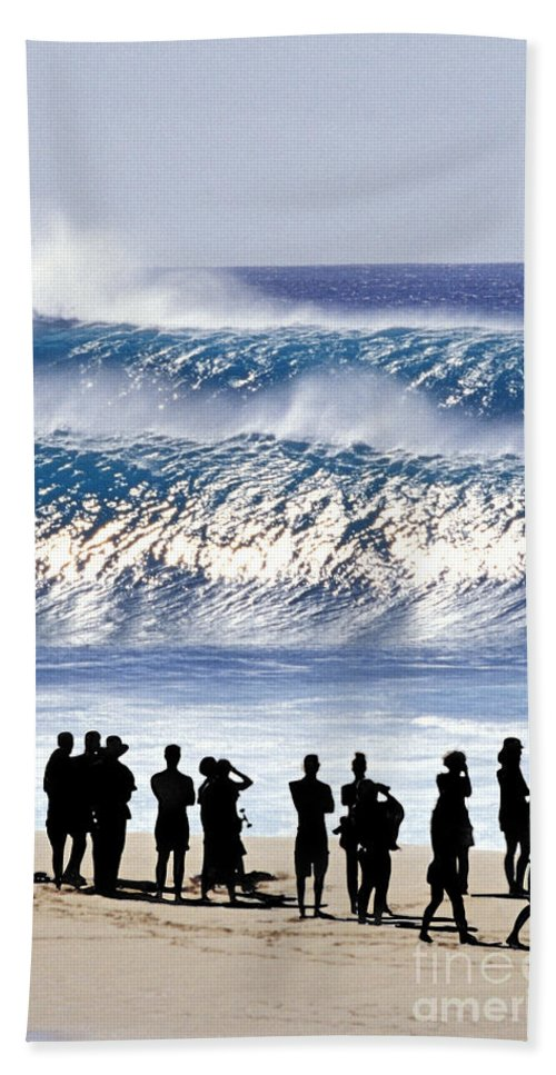 Big Waves Beach Towel featuring the photograph Pipeline Shadow Land - 2 Of 3 by Sean Davey