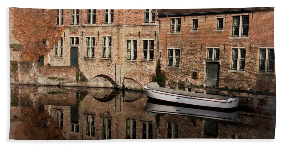 Architecture Beach Towel featuring the photograph Postcard Canal II by Joan Carroll
