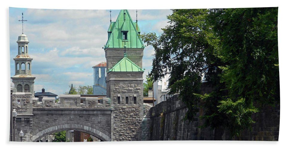 Quebec City Beach Towel featuring the photograph Quebec City 82 by Ron Kandt