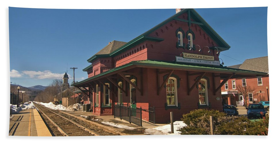 vermont Images Beach Towel featuring the photograph Randolf Depot by Paul Mangold
