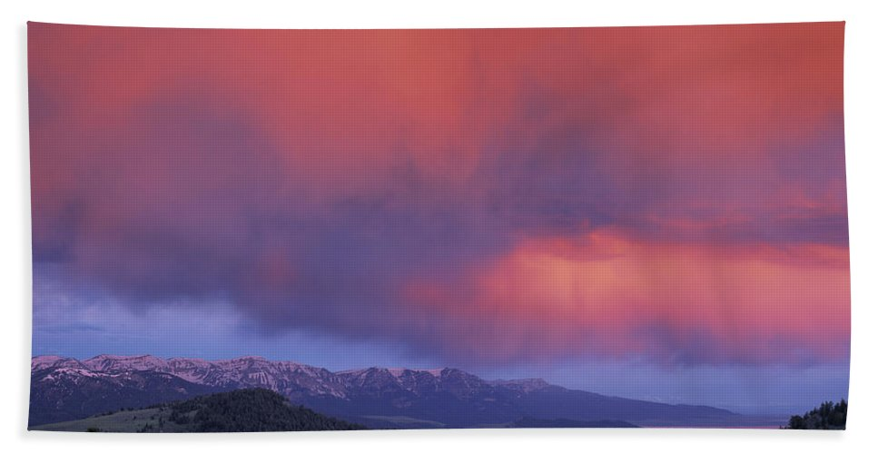 Sunset Beach Towel featuring the photograph Red Rock Pass by Leland D Howard
