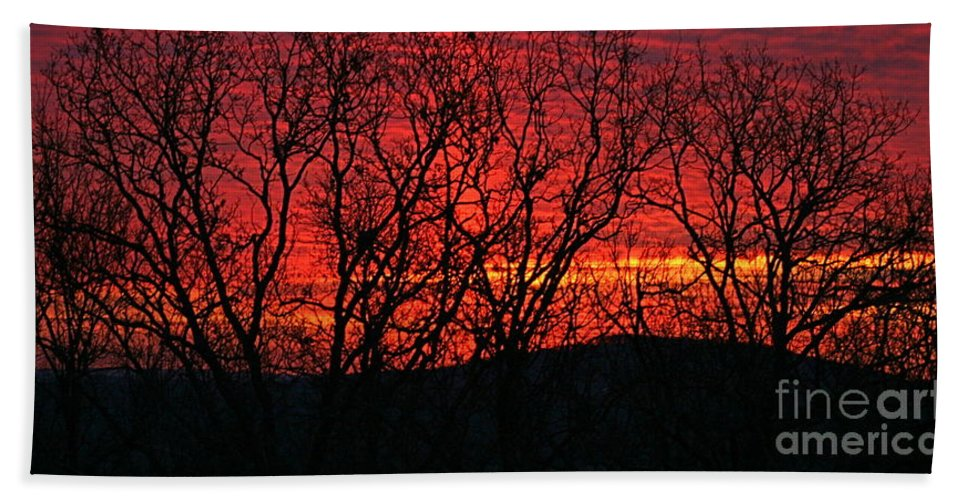 Sunrise Beach Towel featuring the photograph Red Sunrise Over The Ozarks by Nadine Rippelmeyer