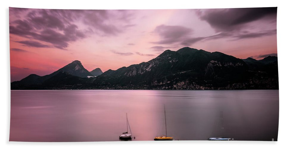 Kremsdorf Beach Towel featuring the photograph Reminiscence Is A Red Sky by Evelina Kremsdorf
