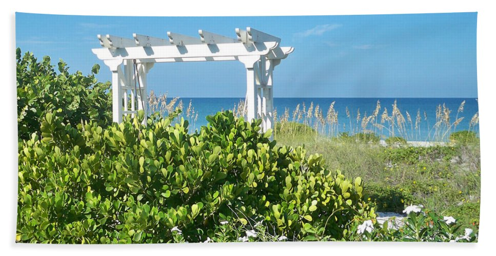 Florida Beach Towel featuring the photograph Restful by Chris Andruskiewicz