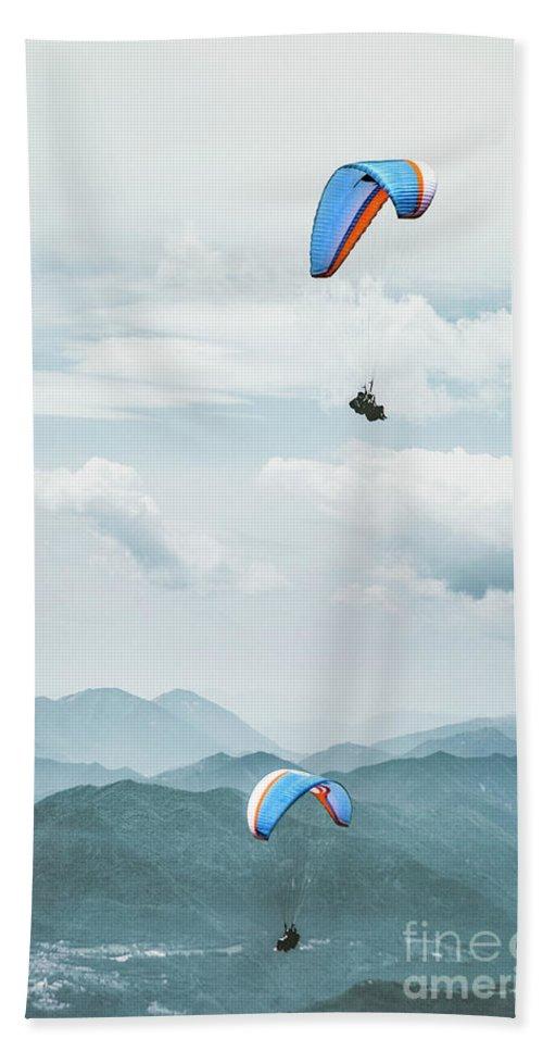 Kremsdorf Beach Towel featuring the photograph Riding The Wind by Evelina Kremsdorf
