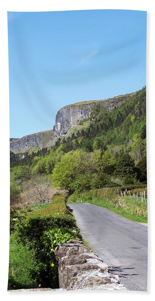 Irish Beach Towel featuring the photograph Road To Benbulben County Leitrim Ireland by Teresa Mucha