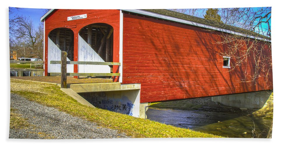 Ohio Beach Towel featuring the photograph Roberts Covered Bridge by Jack R Perry