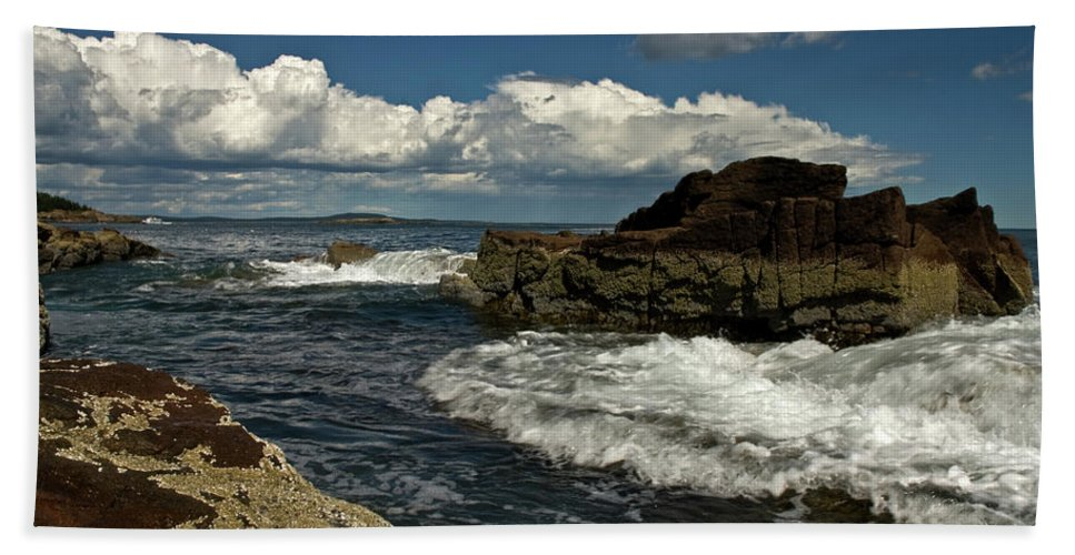 acadia National Park Beach Towel featuring the photograph Rolling In by Paul Mangold