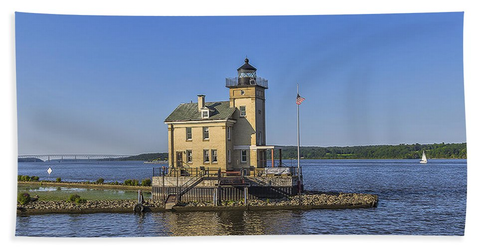 Rondout Lighthouse Beach Towel featuring the photograph Rondout Light by Rachel Snydstrup