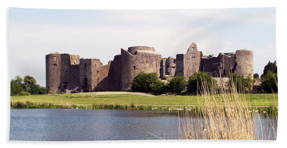 Roscommon Beach Towel featuring the photograph Roscommon Castle Ireland by Teresa Mucha