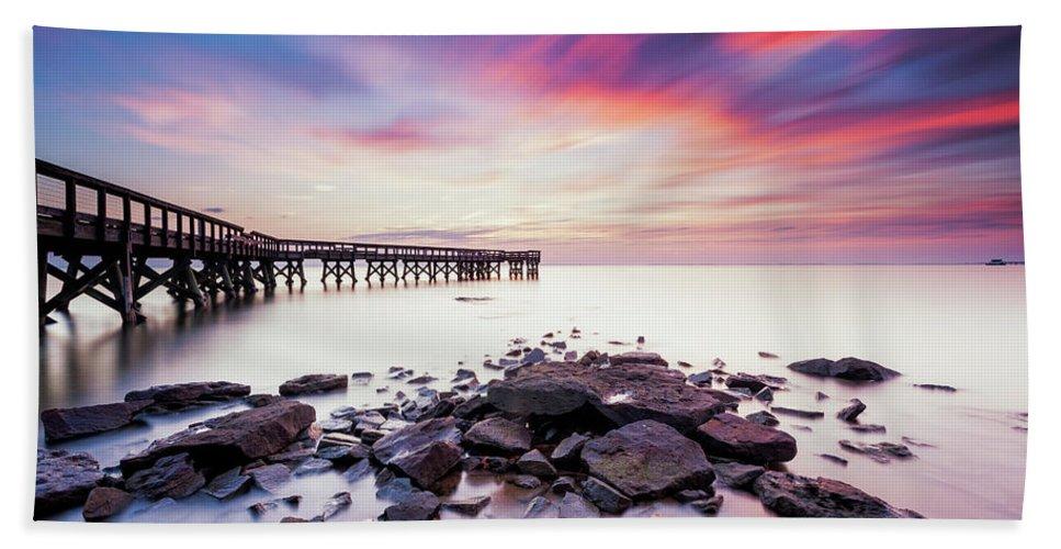 Pinehurst Beach Sheet featuring the photograph Run To The Sun by Edward Kreis