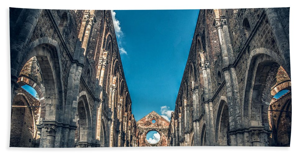 Abbazia Beach Towel featuring the photograph San Galgano Church Ruins In Siena - Tuscany - Italy by Luca Lorenzelli