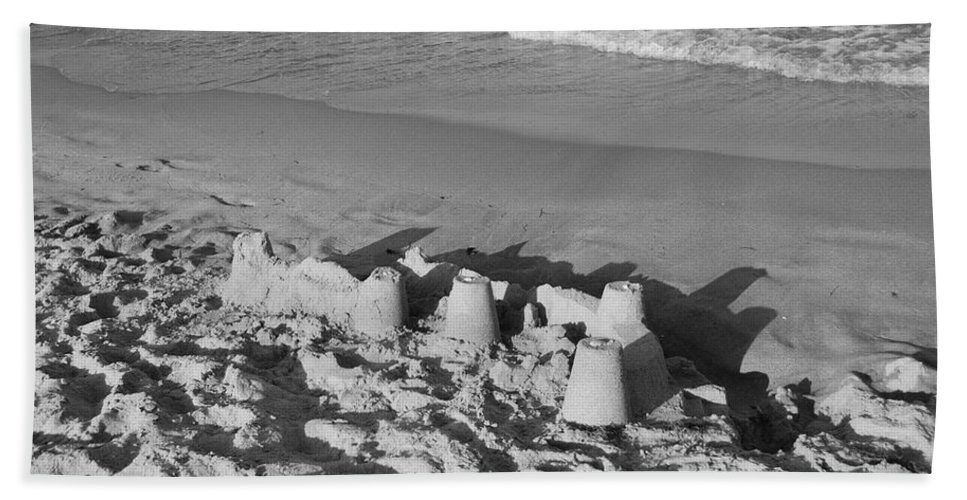 Sea Scape Beach Towel featuring the photograph Sand Castles By The Shore by Rob Hans