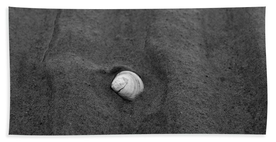 Lehtokukka Beach Towel featuring the photograph Sandlines by Jouko Lehto