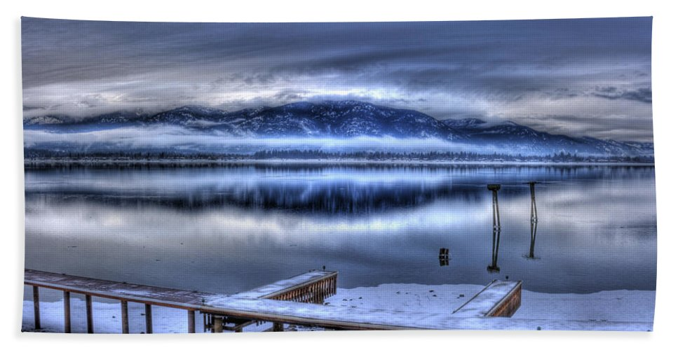 Scenic Beach Towel featuring the photograph Sandpoint From 41 South by Lee Santa