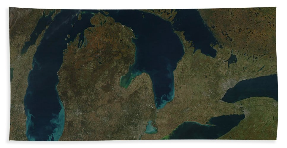 Lake Beach Towel featuring the photograph Satellite View Of The Great Lakes, Usa by Stocktrek Images