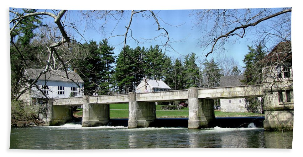 Bridge Beach Towel featuring the photograph Scenic Day by Donna Brown