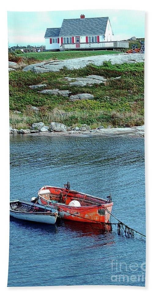 House Beach Towel featuring the photograph Scenic Village by Kathleen Struckle