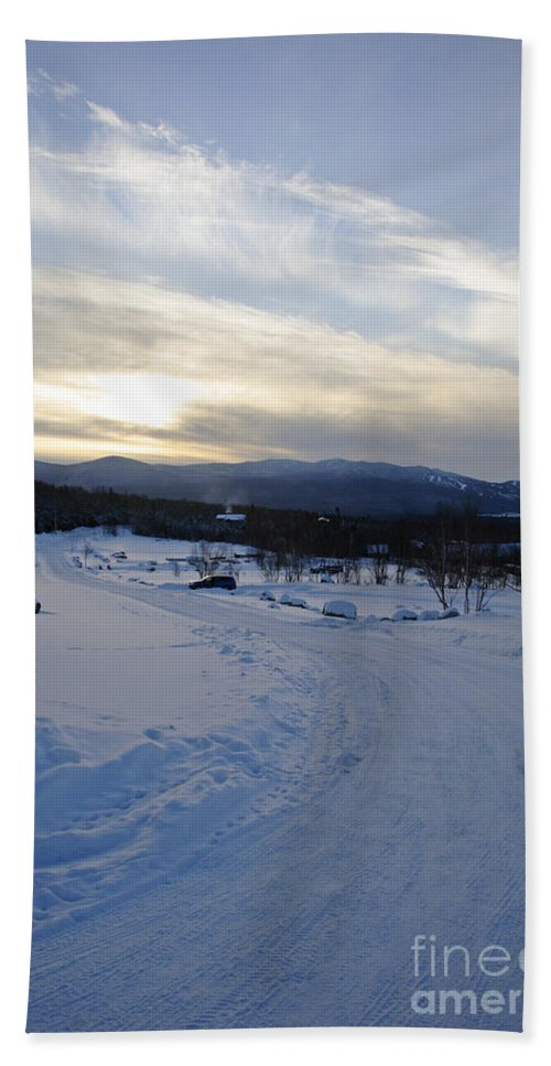 Winter Beach Sheet featuring the photograph Scenic Vista From Marshfield Station In The White Mountains New Hampshire Usa by Erin Paul Donovan