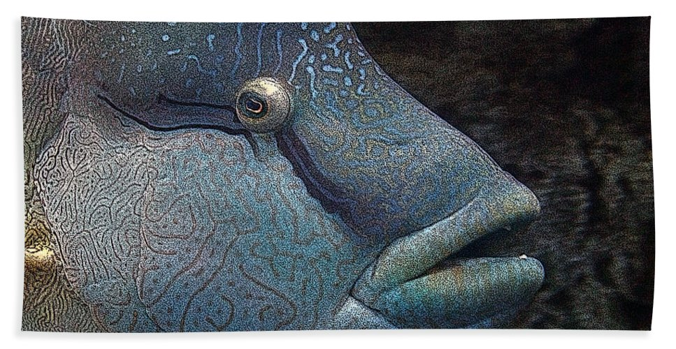 Fish Beach Towel featuring the mixed media Sea Life 19 by Ernie Echols