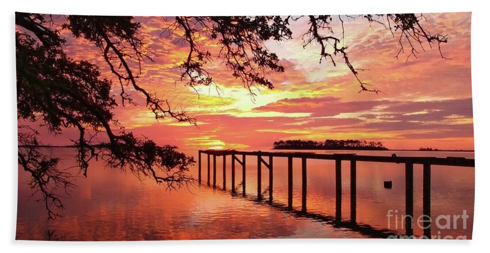 Sunrise Beach Towel featuring the photograph Serenity Captured by Benanne Stiens