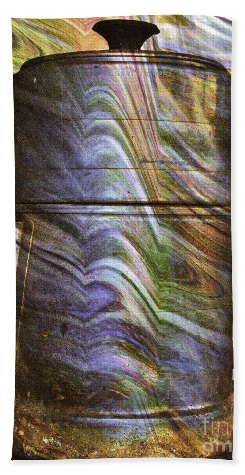 Coffee Beach Towel featuring the photograph Seven Cups by Gwyn Newcombe