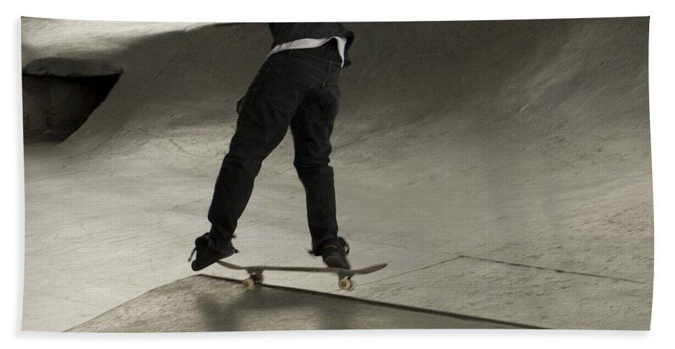 Skating Beach Towel featuring the photograph Skate 2 by Sara Stevenson