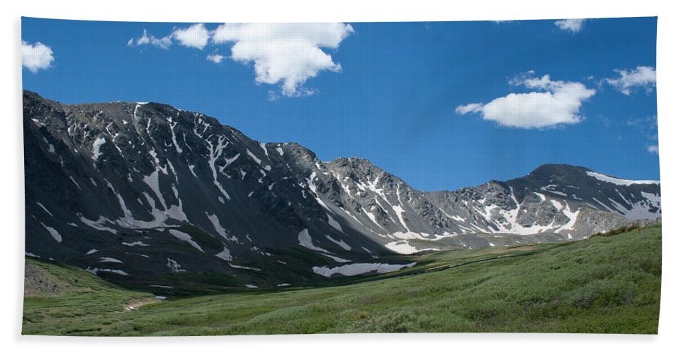 Gray's Peak / Torrey's Peak Beach Towel featuring the photograph Snow And Mountains And Grass by Angus Hooper Iii