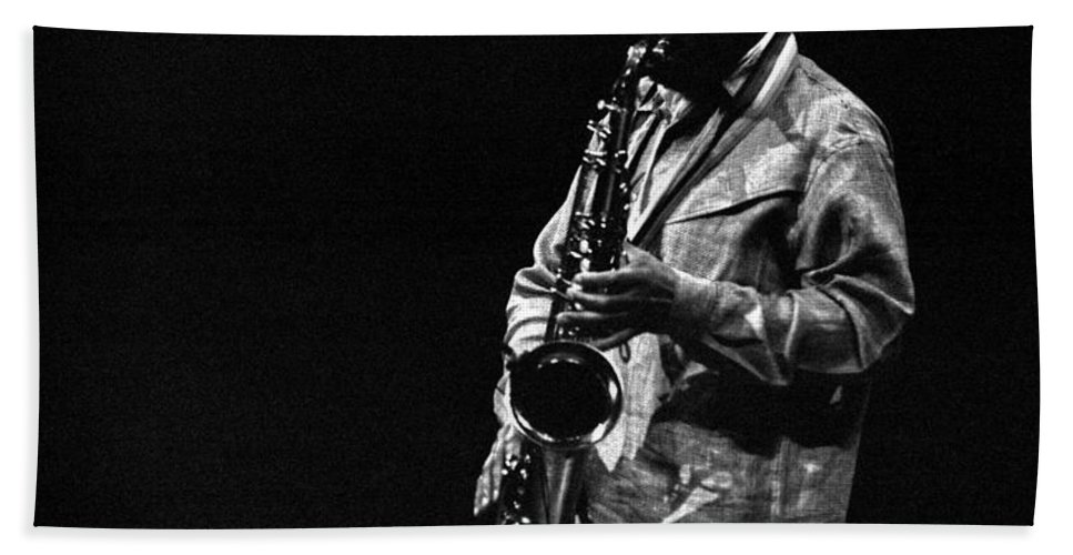 Jazz Beach Towel featuring the photograph Sonny Rollins by Lee Santa