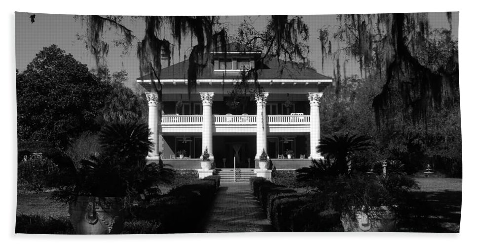 Old South Beach Towel featuring the photograph Southern Bell by David Lee Thompson