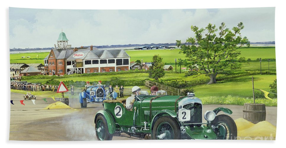Bentley Beach Towel featuring the painting Speed Six Bentley At Brooklands 1930 by Richard Wheatland