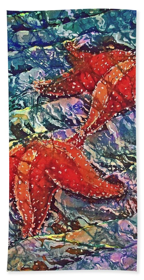 Stars Beach Towel featuring the painting Starfish 2 by Sue Duda